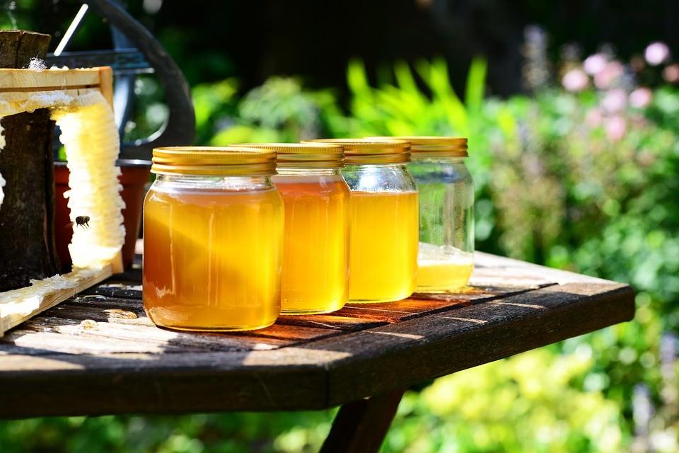 عسل بهترین ماسک صورت برای لک