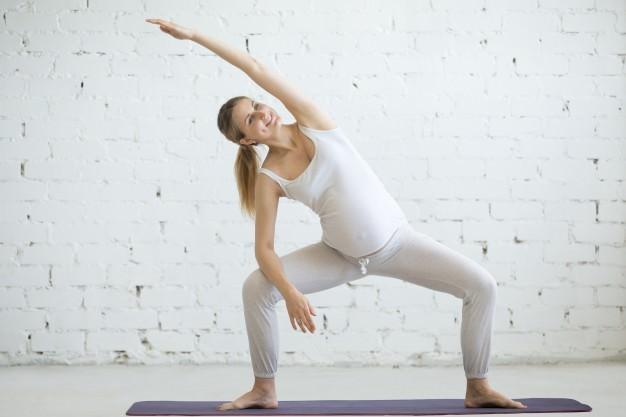 یوگای بارداری با پیچ و تاب با ارتفاع کم