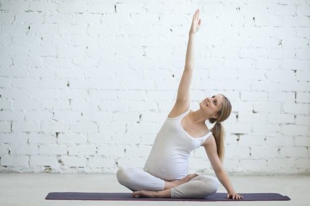 ورزش در بارداری و حرکت قوزک روی زانو