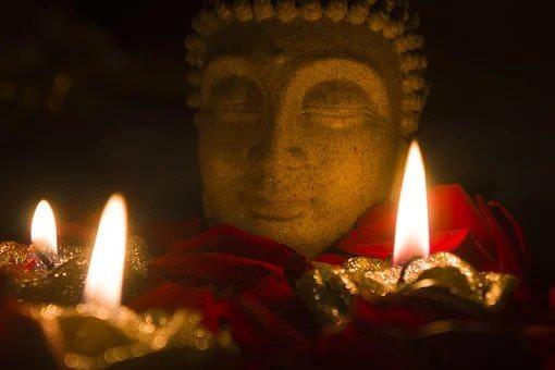 درمان استرس با مدیتیشن با شمع