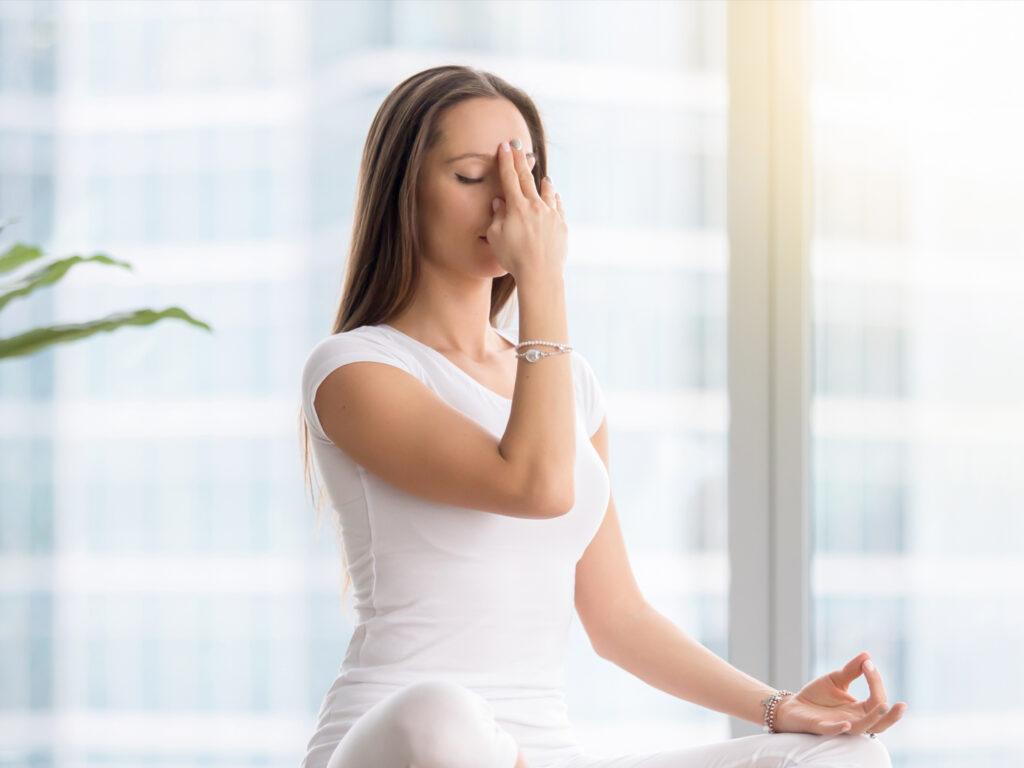 پرانایاما و درمان آسم با یوگا