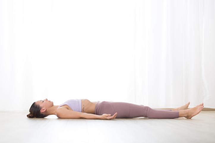 حرکات یوگا برای آرامش خواب