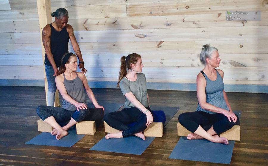 کاهش فشارخون بالا با یوگا
